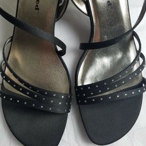 Kenneth Cole Unlisted Black Strap Heels Size 8